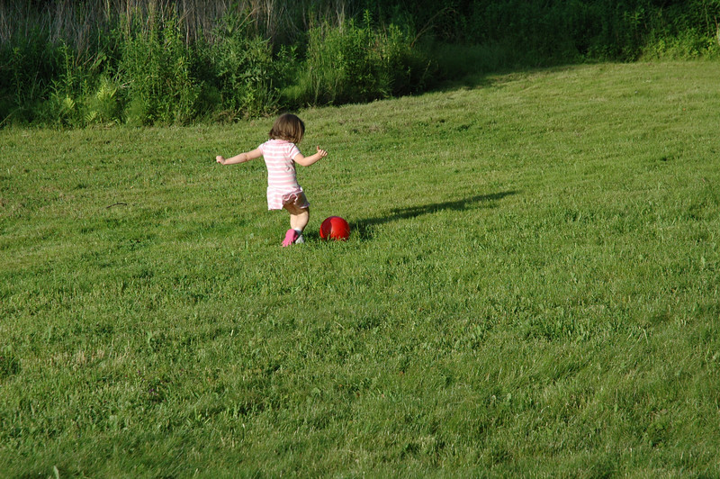 June07_backyardfun036.JPG