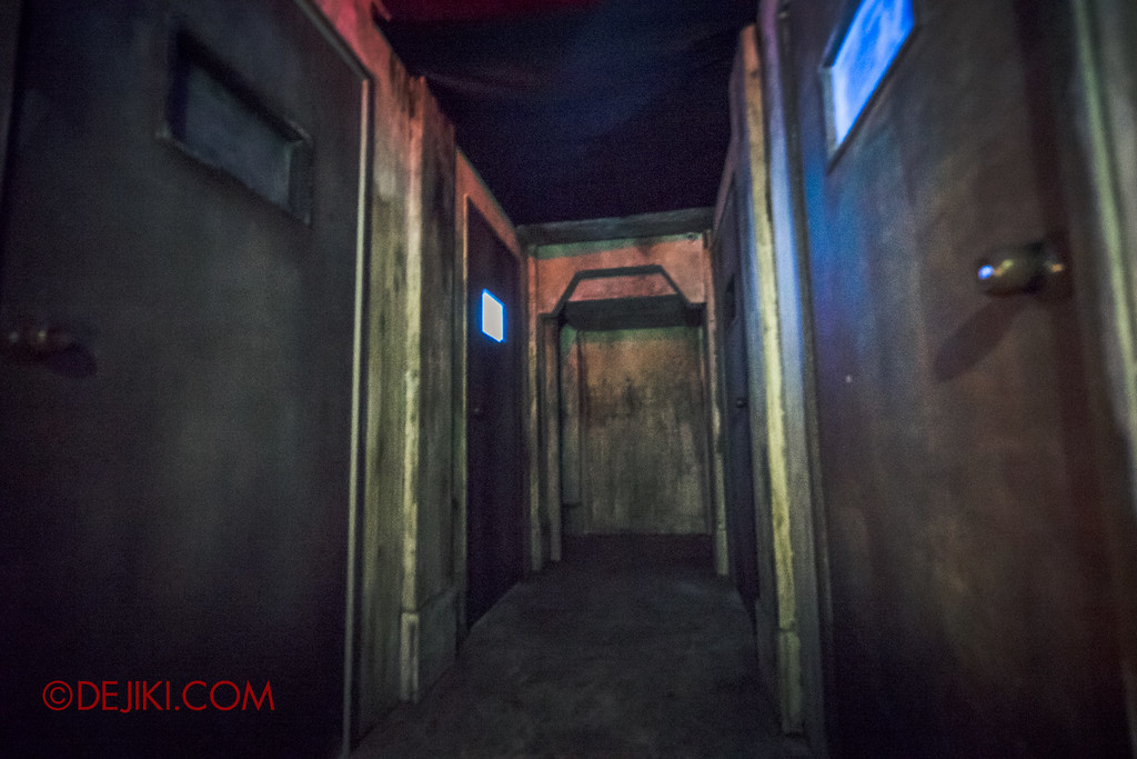 Halloween Horror Nights 6 - Old Changi Hospital / Corridor of Doors