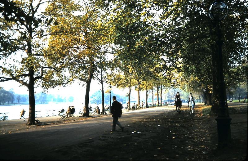 1959-11-1 (3) Ryde Park, London.JPG