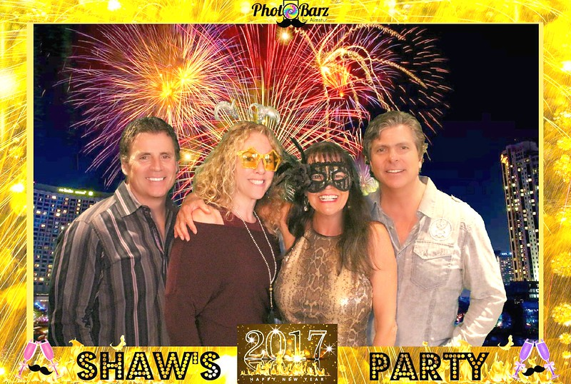 Shaws NYDay Party (38).jpg