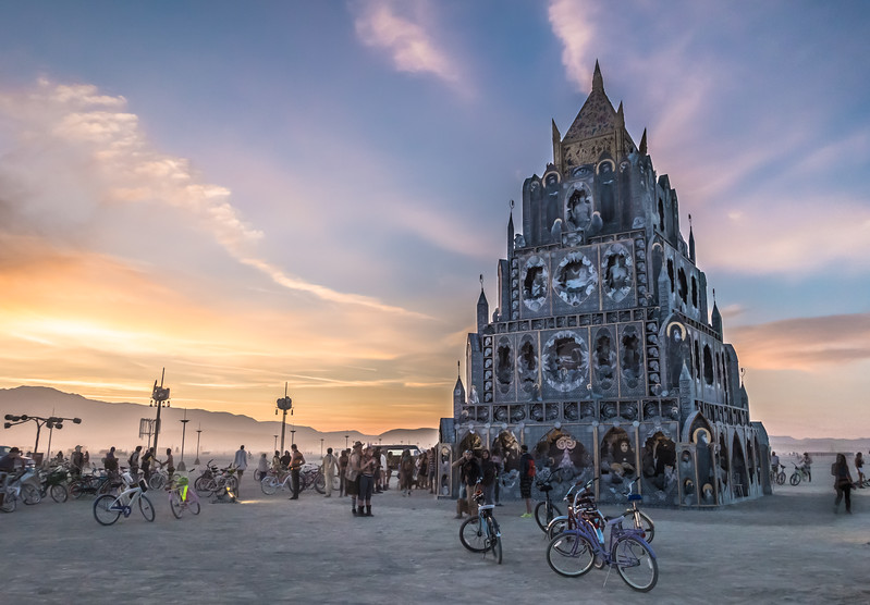 totem-of-confessions-burning-man-2015.jpg