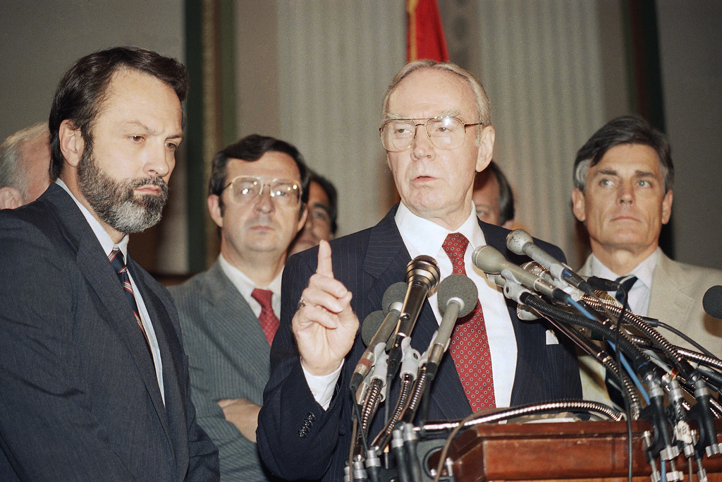 ". House Speaker Jim Wright of Texas, second from right, holds a news conference on Capitol Hill in Washington, Aug. 6, 1987, commenting that ""he earnestly hoped\"" President Reagan\'s cease-fire proposal to the Nicaraguan government succeeded. Also attending, from right, are Reps. David Bonior, (D-Mich.), David Obey, (D-Wisconsin), Wright, and Bill Alexander (D-Arkansas).   (AP Photo/Lana Harris)"