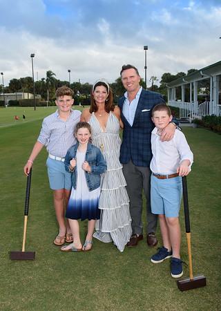 Family Picnic Palm Beach Society Proofs 2020