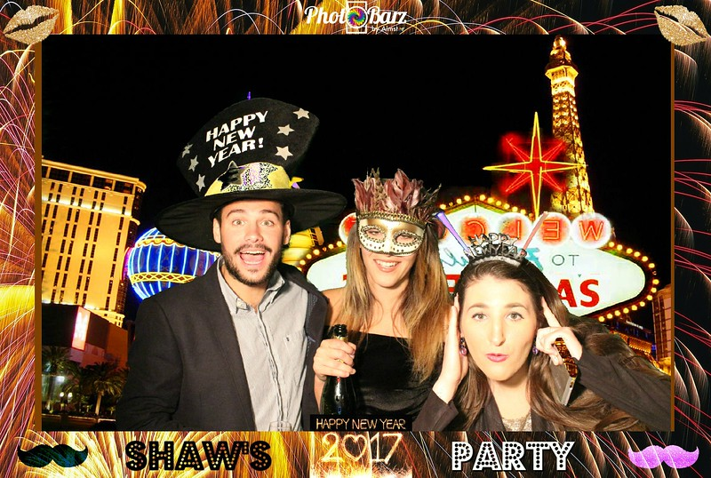 Shaws NYDay Party (85).jpg