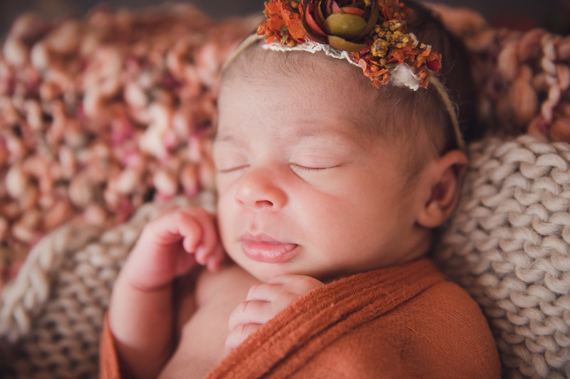 AutumnNewborn-6.jpg