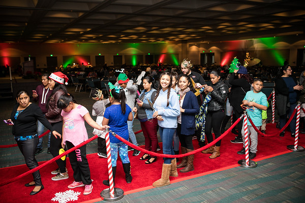 12.17.17  AEG Community Holiday at LA Convention Center