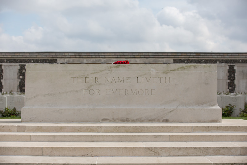 Ypres Tyne Cot Cemetery (23 of 123).jpg