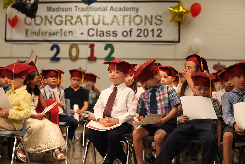 2012May18_MTA Kinder Grad_9763.JPG