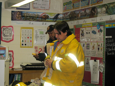 Moosonee Fire Department visits BBS Grade 2/3