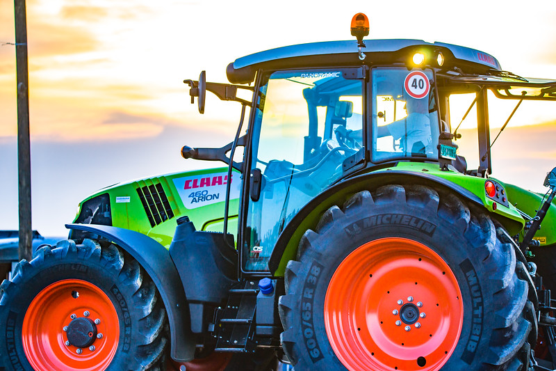 Tractor Pulling 2015-01691.jpg