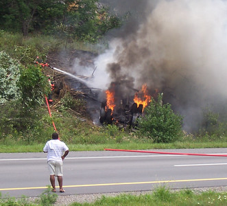 """INTERSTATE 81 - PINE GROVE TOWNSHIP TRACTOR TRAILER ACCIDENT  PICTURES FROM Bill Stogie"""" Stogoski"""