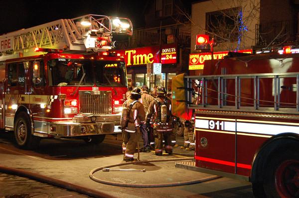 January 21, 2006 - Working Fire - 856 Bloor St W