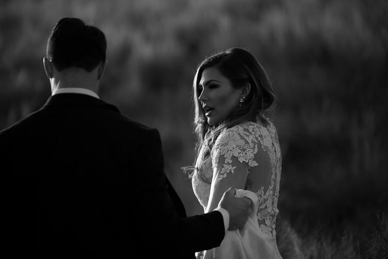 Kate&Josh_B&W_ZACH.WATHEN.PHOTOGRAPHER-420.jpg