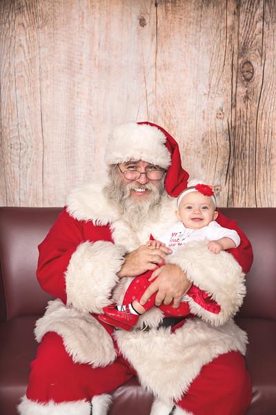 Ameriprise-Santa-Visit-181202-5070.jpg
