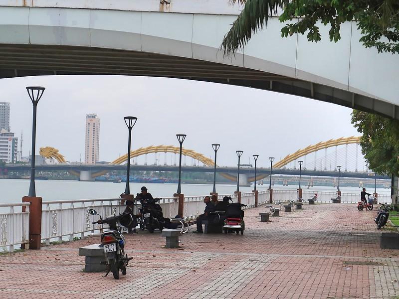 IMG_5906-view-of-dragon-bridge.jpg
