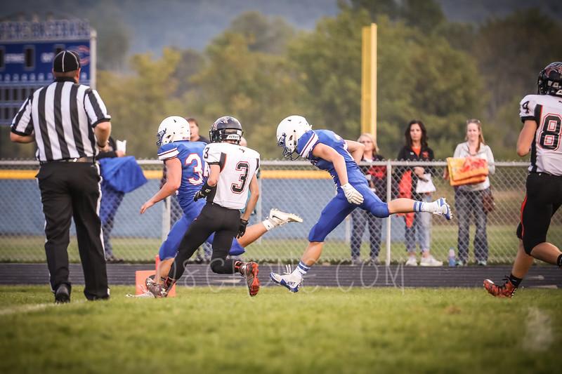 GC Football vs Elk Mound-0448.JPG