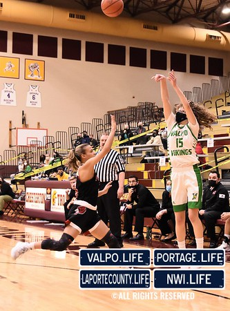 GIRLS BASKETBALL Sectionals Valparaiso VS Portage 2021
