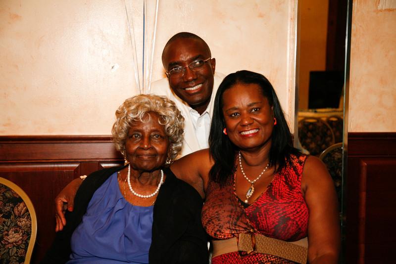 Edouard Family Reunion-3651.jpg