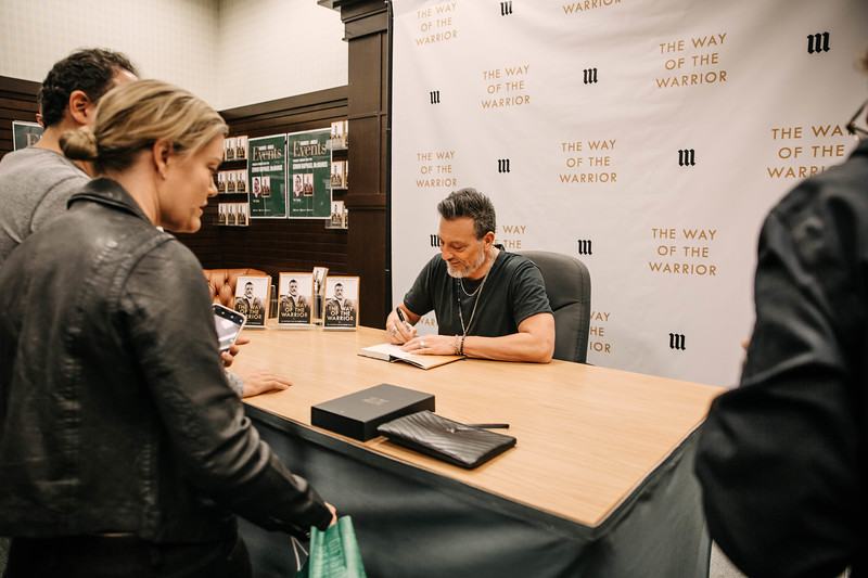 2019_2_28_TWOTW_BookSigning_SP_134.jpg