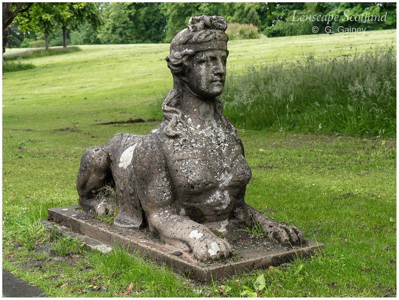 Lauriston Castle driveway sculpture