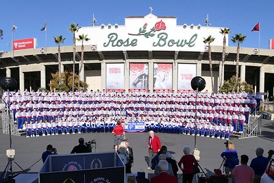 Day 3 - Practice, Rose Bowl Photo, Band Fest & Dinner - 12/30/17