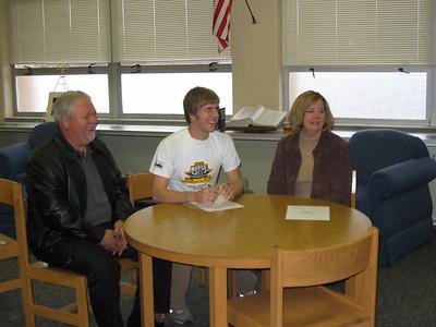 2005 Robert Lakes - NKU Signing