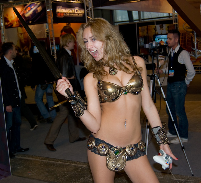 Golden Axe girl on Igromir 2008