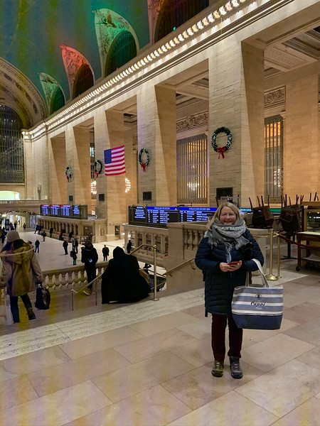 2019-12-19 Sharon in Grand Central Station NYC - 3.JPEG