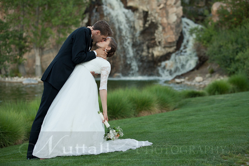 M & M Bridals-413.jpg