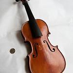 Lenny Reid's 1/32-size Violin