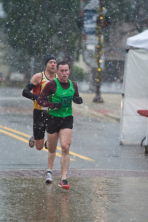 10K at 3 mile mark downtown Holly - 2012 Run Like the Dickens