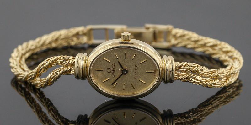 Gold Watch-2721.jpg