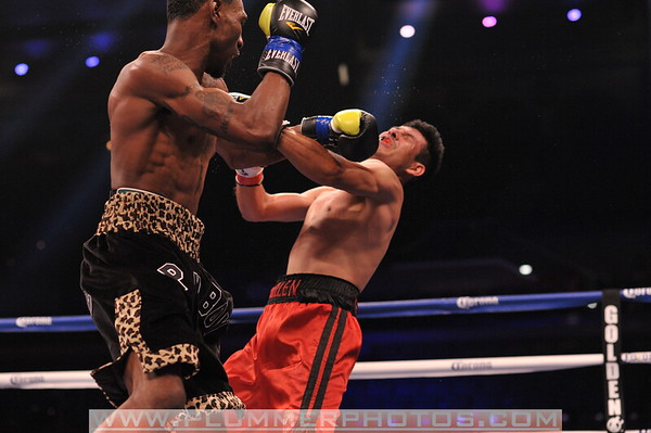 Robert Easter vs. Eduardo Guillen May 2013
