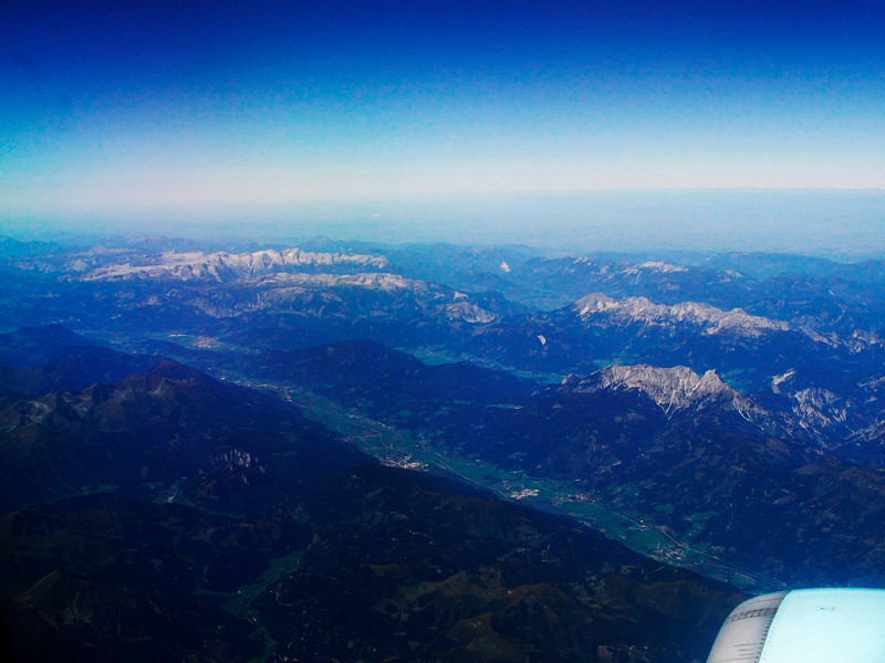 Rakousko, širší záběr na stejné údolí zhruba severozápadním směrem