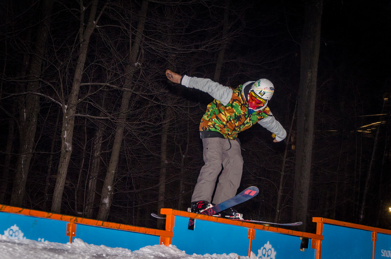 Nighttime-Rail-Jam_Snow-Trails-41.jpg