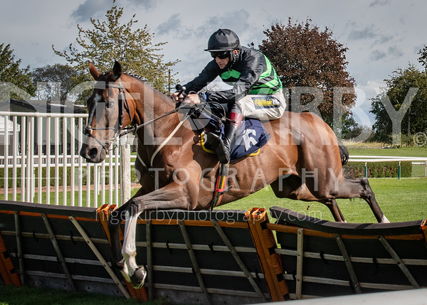 Uttoxeter Races - Fri 25 Sept 2020