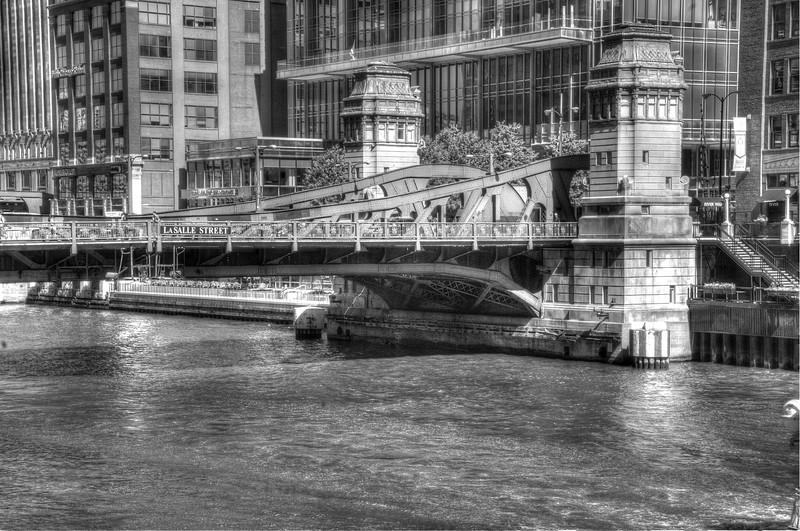 ChicagoLaSalleBridgeDSC_4794_5_6_tonemapped.jpg