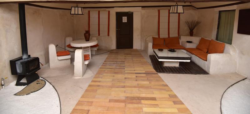 BOL_1559-Public lounge.jpg