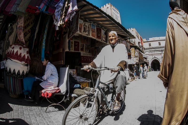 MarrakeshOldManBikerDSC_9134.jpg