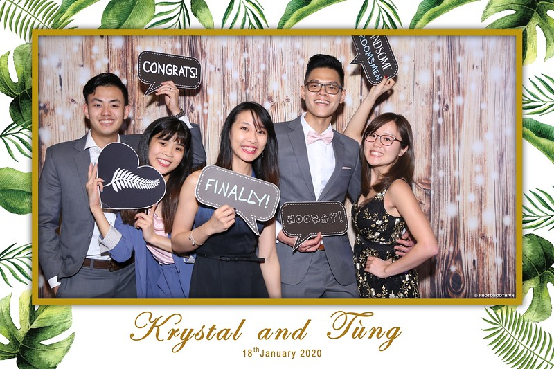 Krystal-Tung-wedding-instant-print-photo-booth-in-Ho-Chi-Minh-City-Chup-hinh-lay-lien-Tiec-cuoi-WefieBox-Photobooth-Vietnam-047.jpg