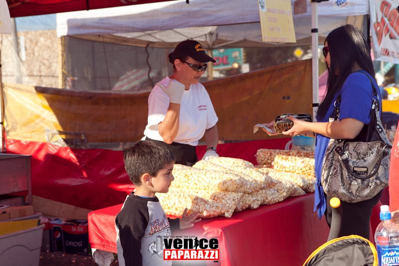 VenicePaparazzi-247.jpg