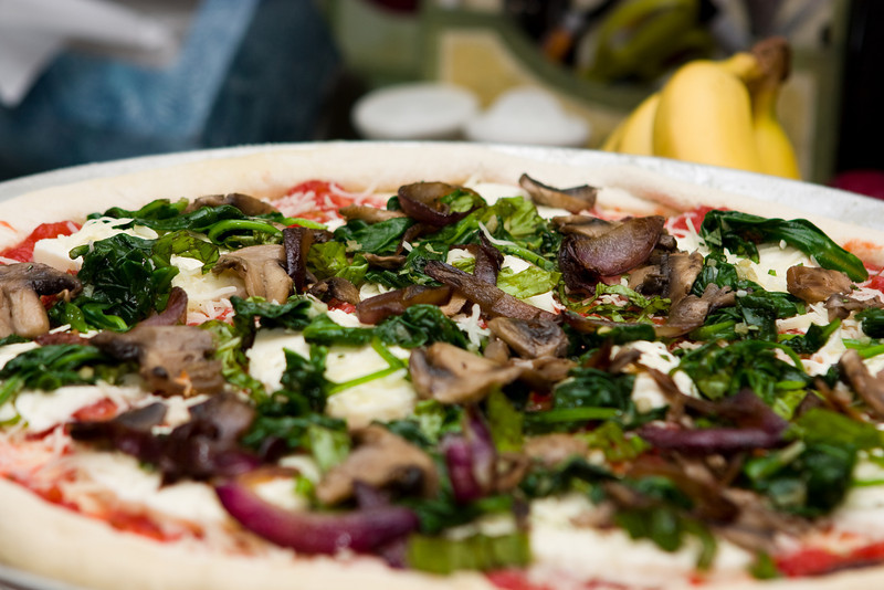 Pizza with caramelized onions.