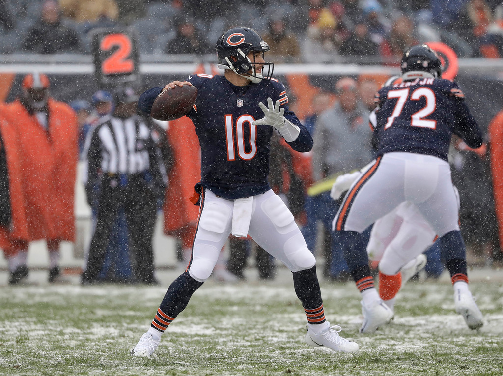 . Chicago Bears quarterback Mitchell Trubisky (10) throws against the Cleveland Browns in the first half of an NFL football game in Chicago, Sunday, Dec. 24, 2017. (AP Photo/Nam Y. Huh)