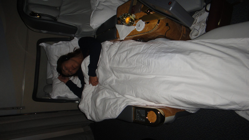 [20101009] Day 10 - BB 1st Class on Emirates Airlines (37).JPG