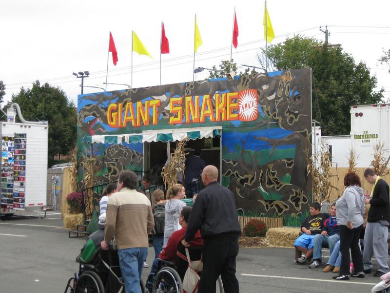 Giant Snake sideshow.