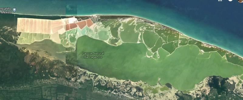 weird ponds near cancun.JPG
