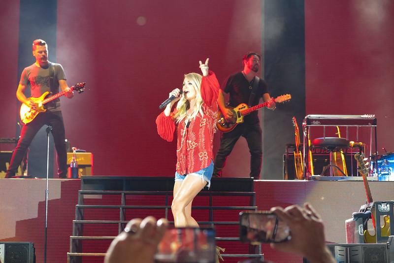 Carrie Underwood-88277.jpg