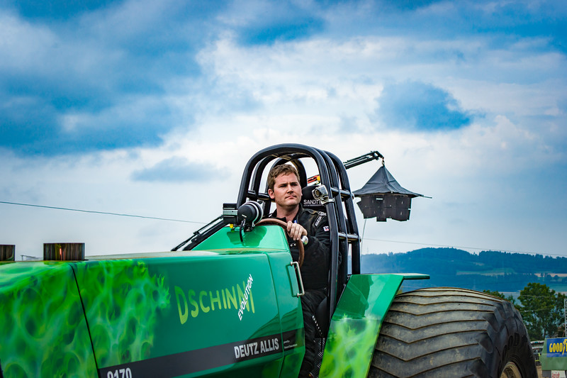 Tractor Pulling 2015-02465.jpg