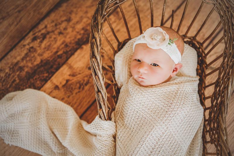Emmaline Newborn-44.jpg