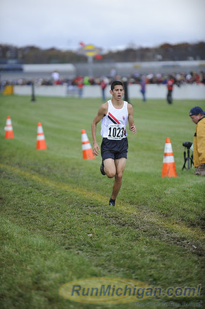 Featured - 2013 MHSAA XC Finals D1